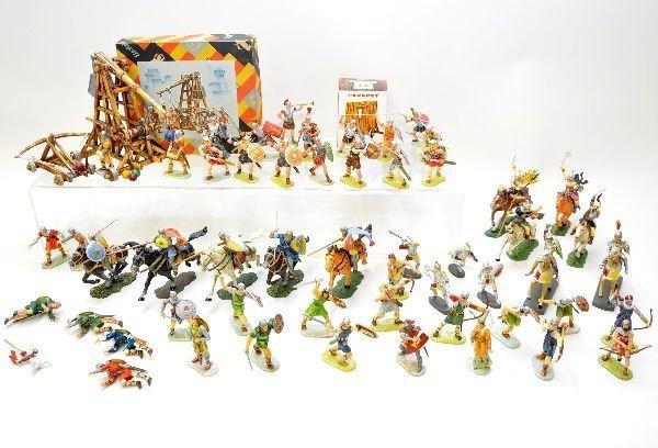 389: Large Group of Elastolin Knights