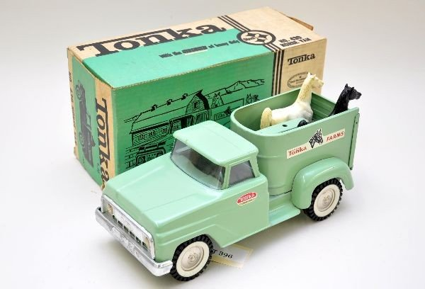 396: Boxed Tonka Horse Van 430