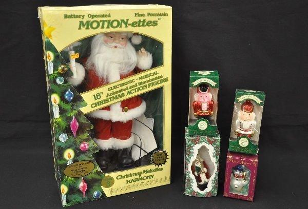 11: Christmas Decoration & Ornament Lot