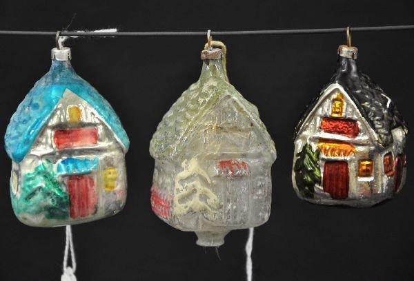 18: Early Christmas House Ornaments