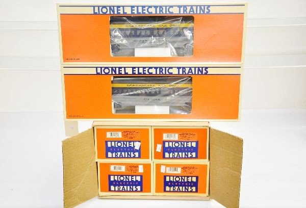 175: Boxed Lionel C&O Passenger Cars