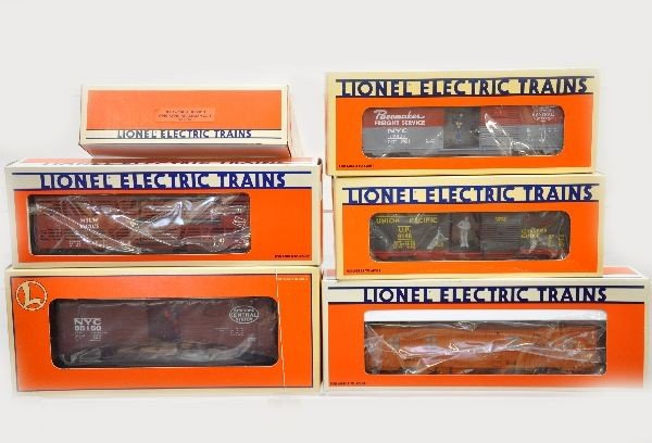 197: Boxed Lionel Freight Cars