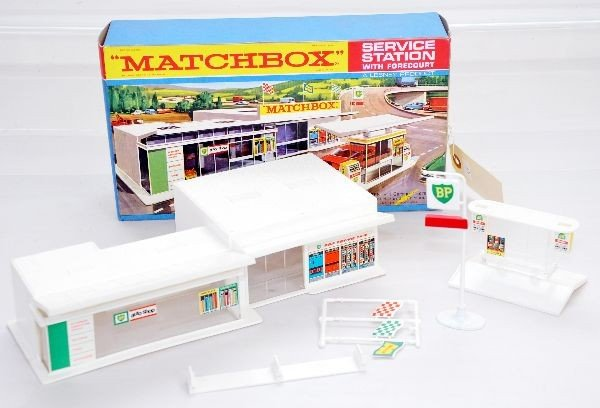 18: Boxed Matchbox MG-1 Service Station