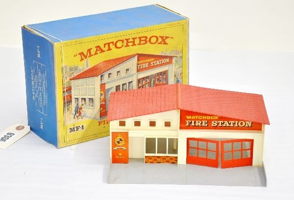 19: Boxed Matchbox MF-1 Fire Station