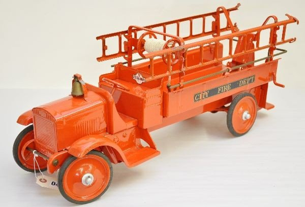 157: Nicely Restored Steelcraft Ladder Truck