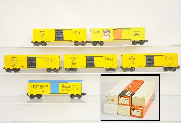 2: 6 Boxed KMT Boxcars Cars