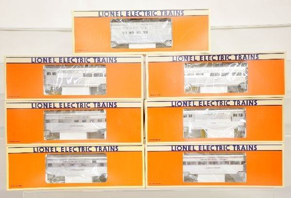 16: Boxed Lionel SF Passenger Cars