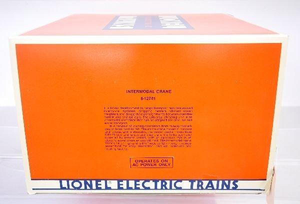 21: Lionel 12741 Intermodal Crane