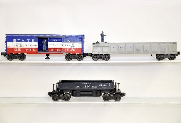 199: 3 Boxed Lionel Freight Cars - 3