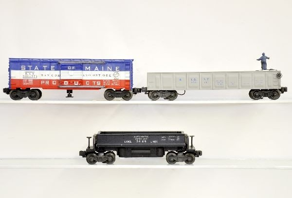 199: 3 Boxed Lionel Freight Cars - 4