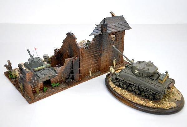 337: 2 US Military Dioramas - 2