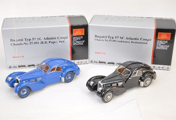 333: 2 CMC 1:18 Bugatti Atlantic Coupes