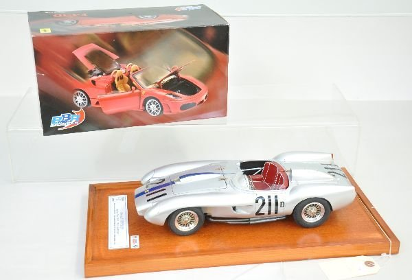 355: 2 Scale Model Ferrari Race Cars