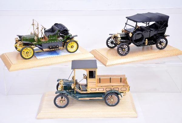 366: 3 Franklin Mint 1:18 Scale Vehicles