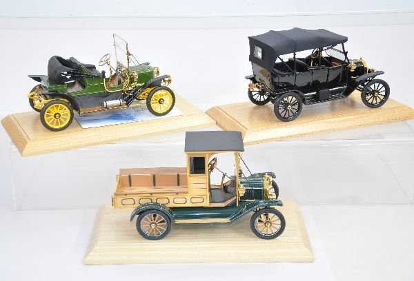 366: 3 Franklin Mint 1:18 Scale Vehicles - 2