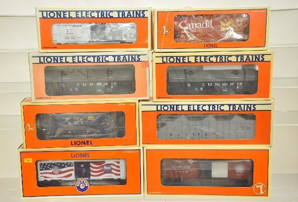 15: 8 Boxed Lionel Freight Cars