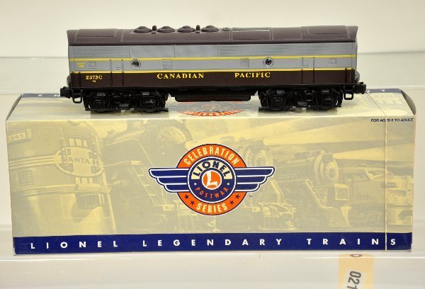 18: Boxed Lionel 14564 CP F3 Powered B-unit