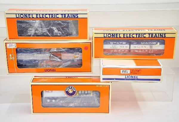 24: 5 Boxed Lionel Freight Cars