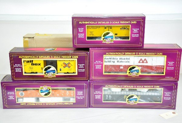 21: 7 Boxed MTH Freight Cars
