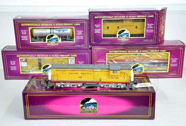 23: 5Pc MTH UP Diesel Freight Set