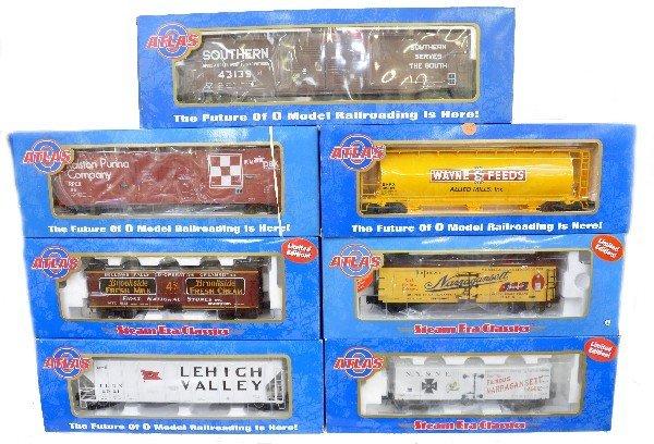24: 7 Atlas Freight Cars