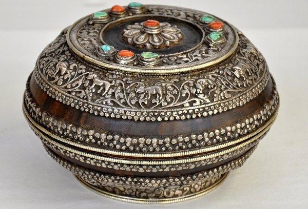 449: Fantastic Tibetan Silver Covered Bowl