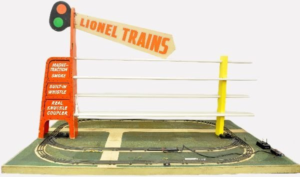 235: Rare Lionel D-40 Factory Display Layout