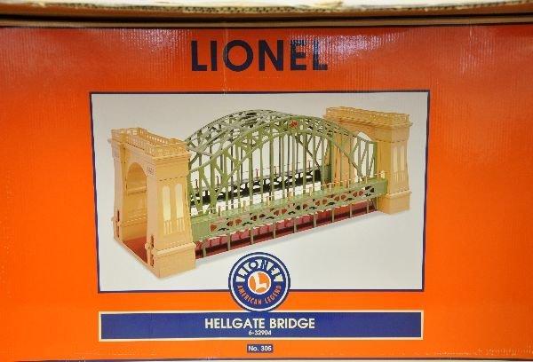 1: Boxed Lionel 32904 Hellgate Bridge