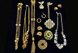486 Signed Vintage Costume Jewelry Lot