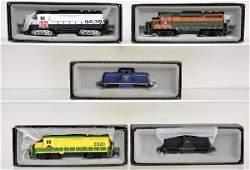204: 5 Bachmann Spectrum HO Diesels