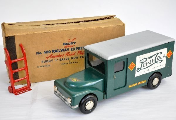 Boxed Buddy L 480 REA Truck