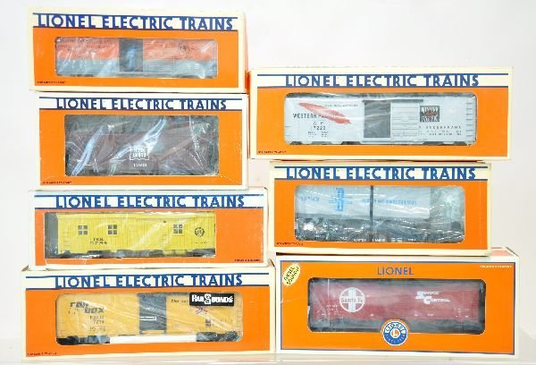 7 Lionel Freight Cars