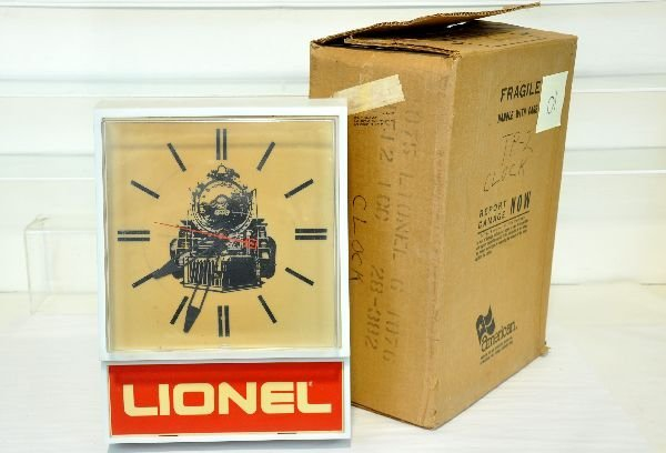 Boxed Lionel 60-1076 Dealer Clock