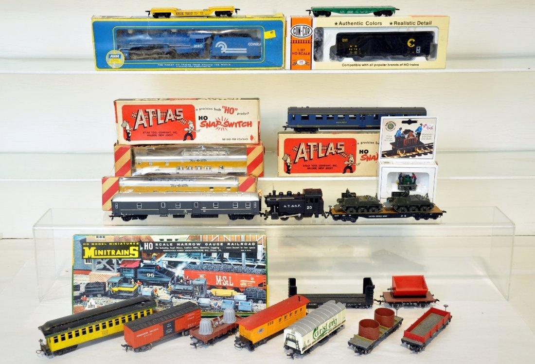 Assorted HO Trains Lot
