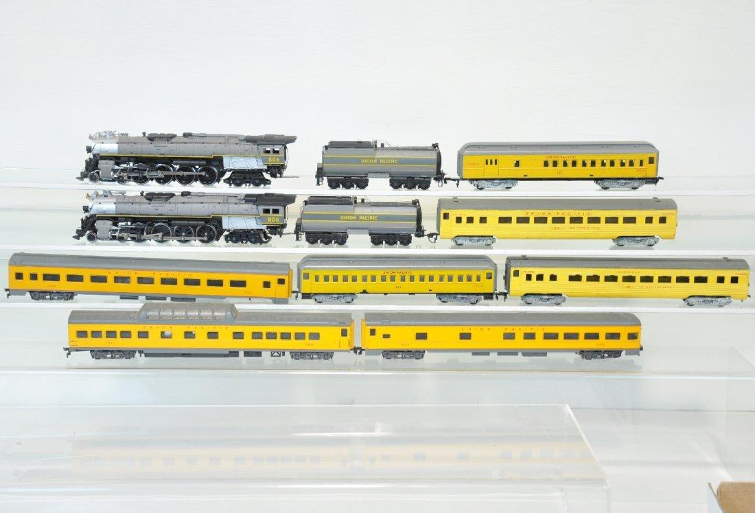 11Pc Union Pacific HO Trains Lot