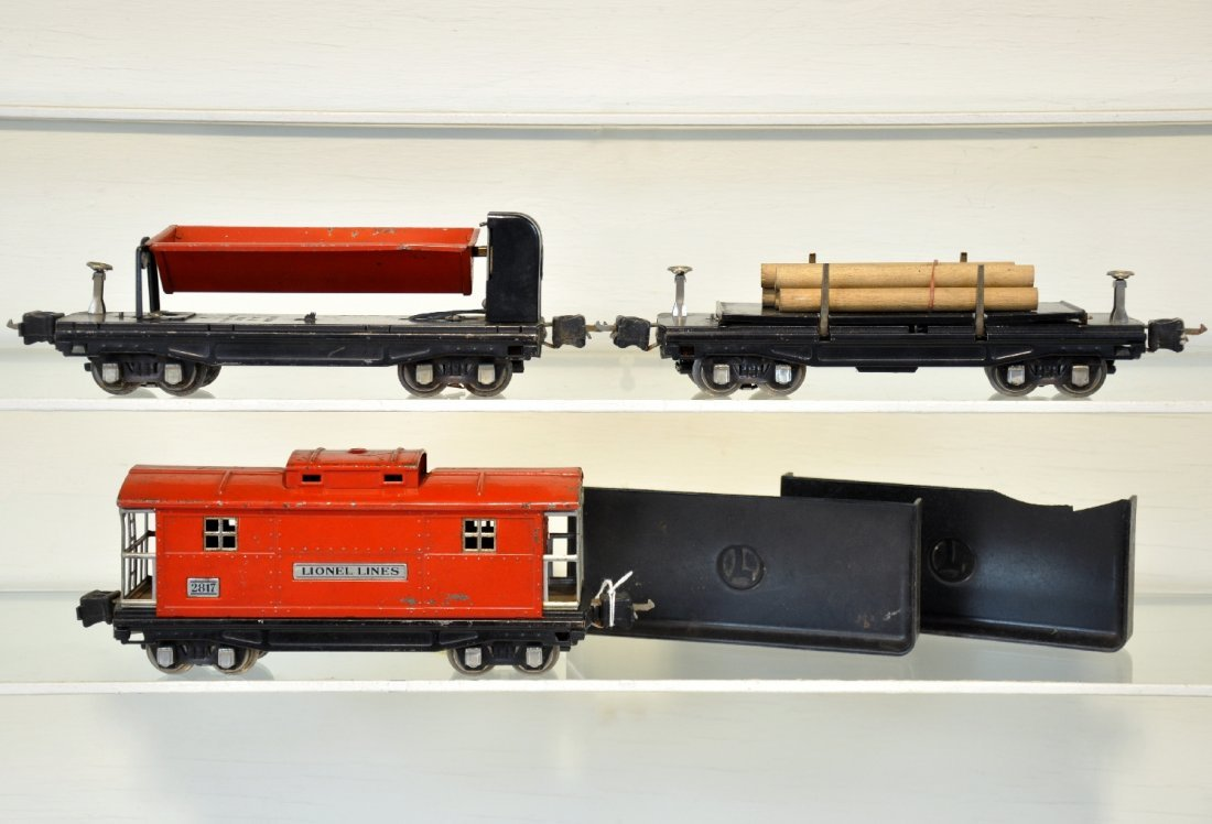 3 Lionel Late Freight Cars