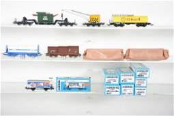 8 Marklin HO Freight Cars