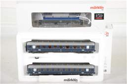 Marklin HO DB Passenger Train
