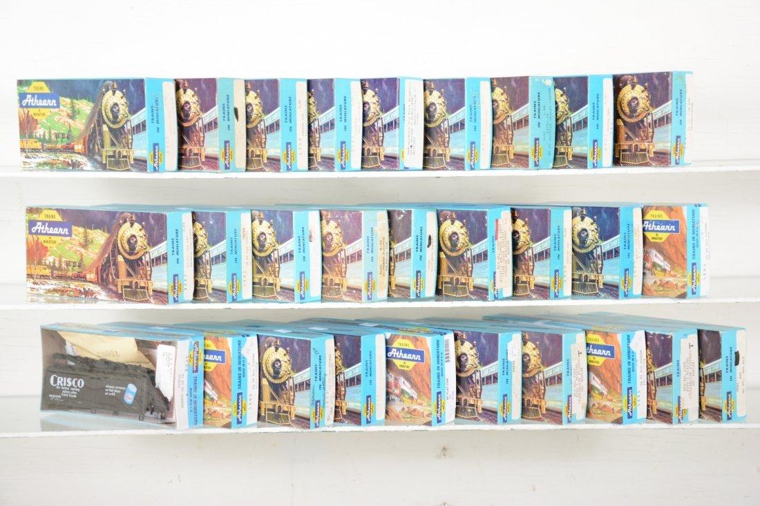 28 Athearn HO Freight Car Kits