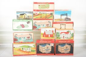 Boxed Bachmann Plasticville Buildings
