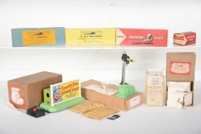 Nice Boxed American Flyer Accessories
