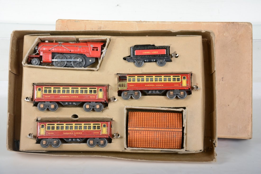 Boxed Lionel Junior Set 1064E