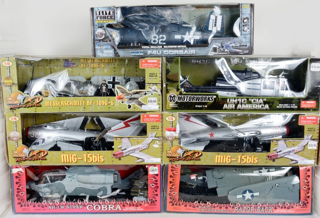 1/18 Scale Airplane Models