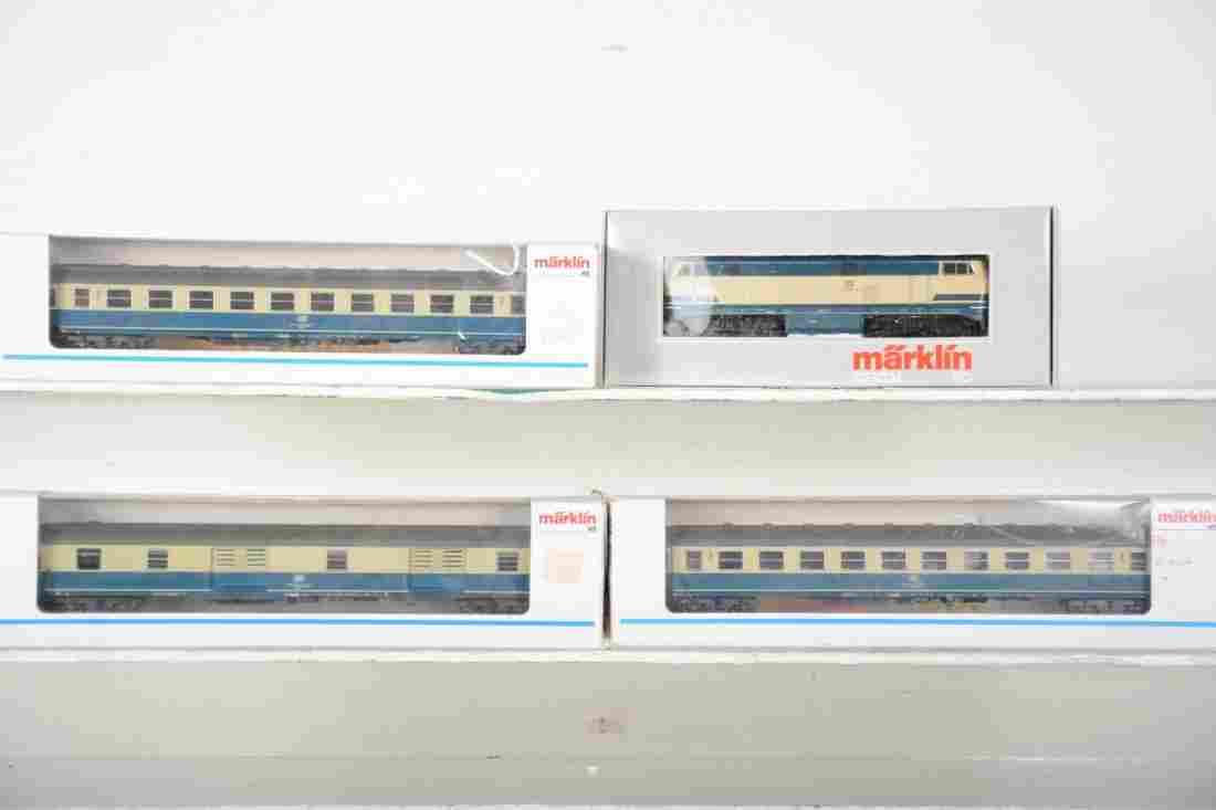 Marklin HO DB Commuter Train