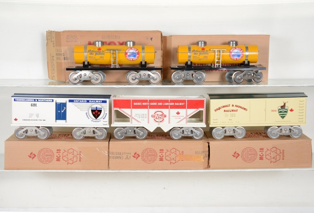 5 Boxed Mc Coy Canadian Freight Cars
