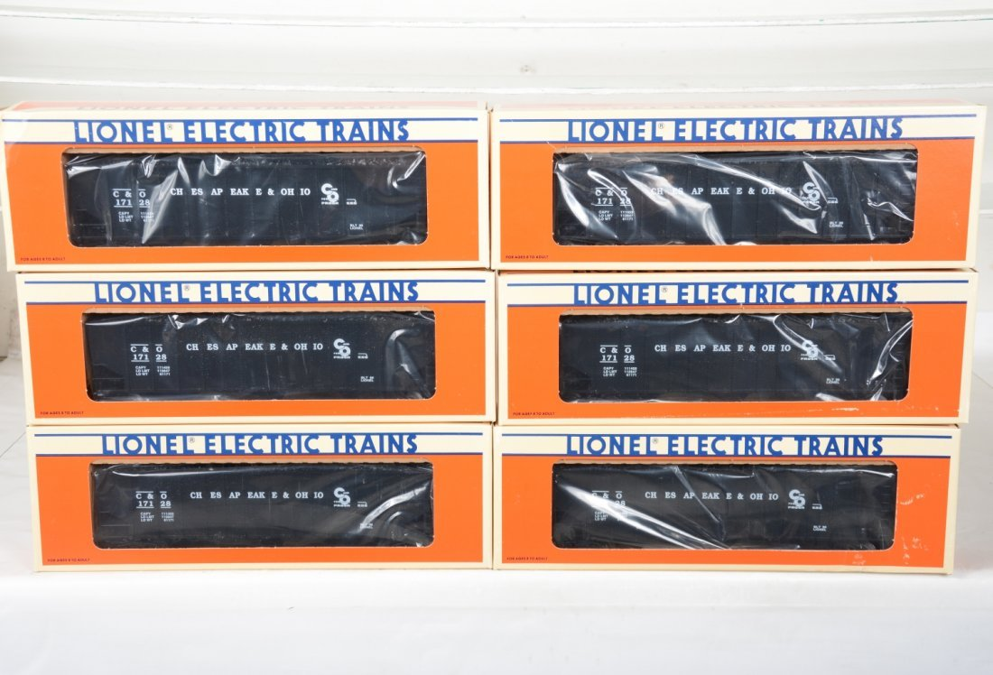 Case Lionel 17126 C&O 3-Bay Hoppers
