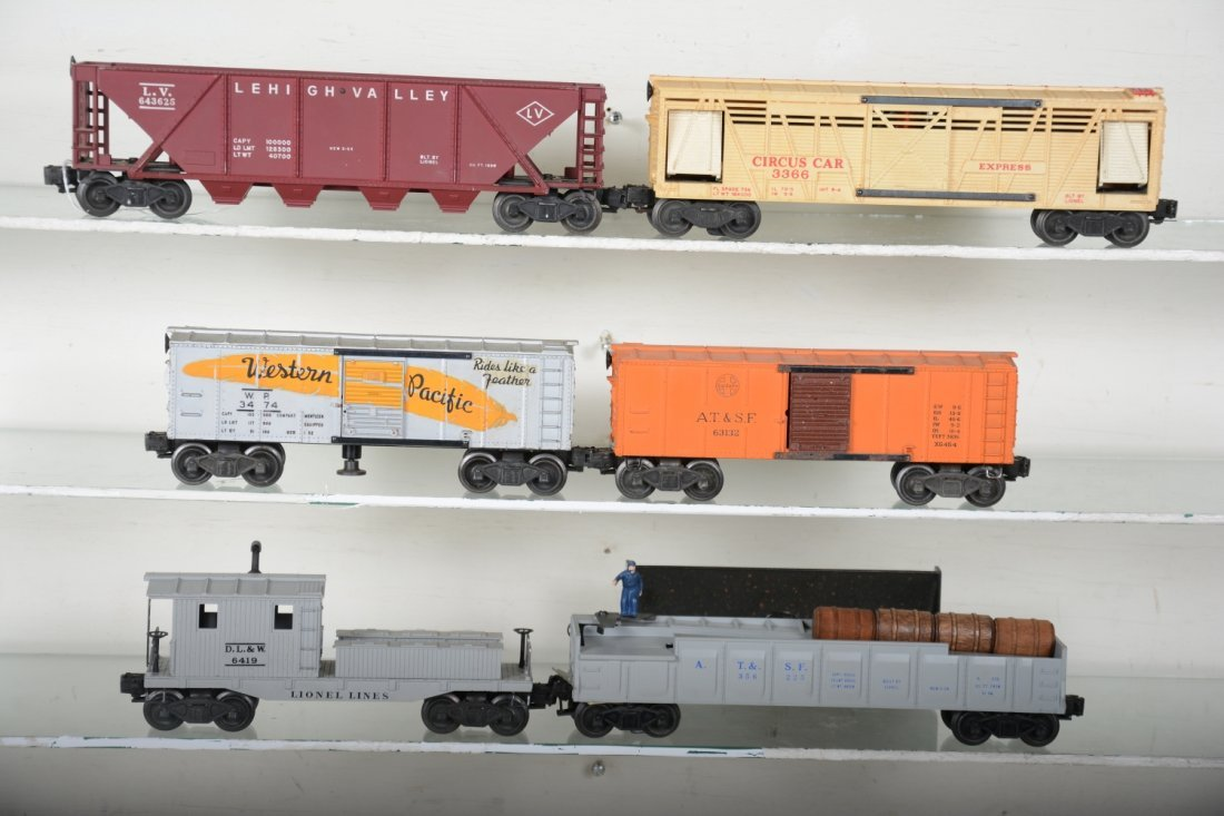 6 Lionel Freight Cars, 1 Scarce