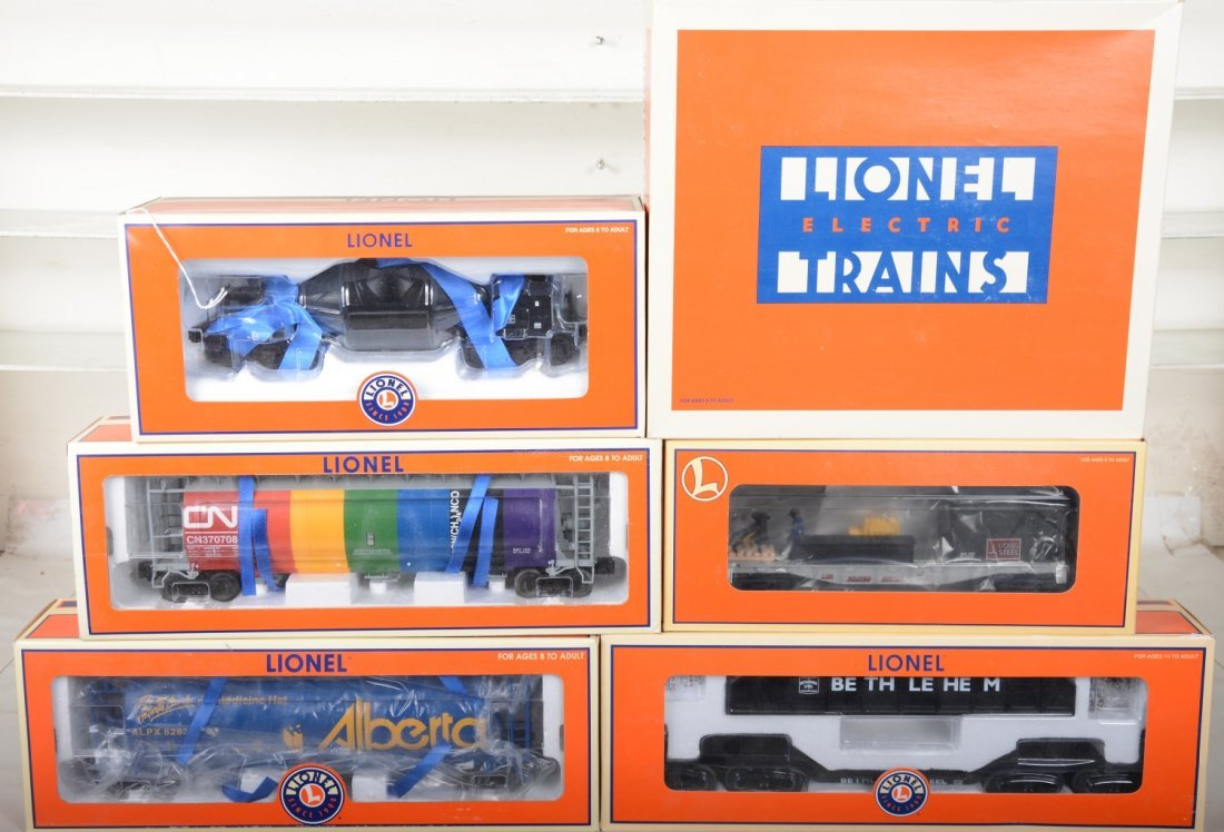 Lionel Freight & Operating Cars