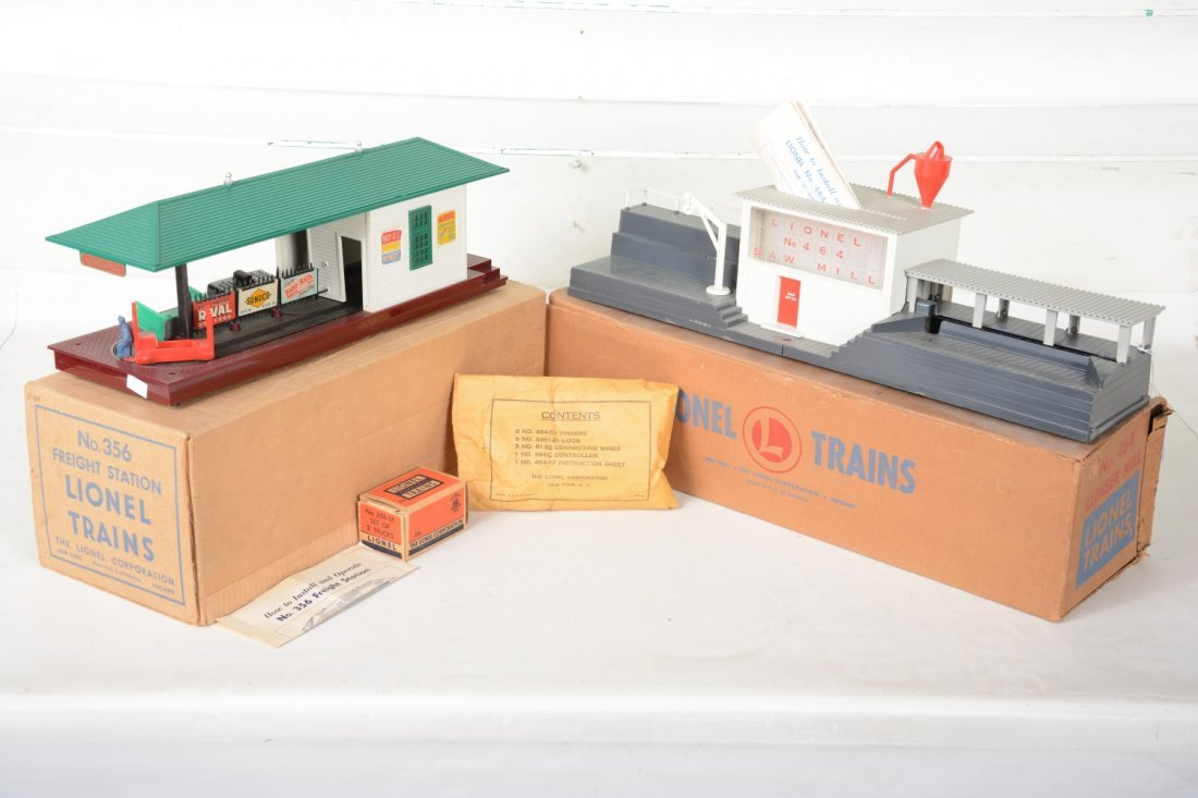 Boxed Lionel 464 & 356 Operating Accessories