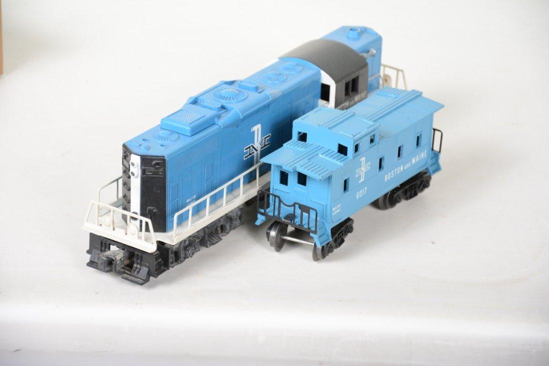 Nice Boxed Lionel 2346 B&M GP9 & Caboose - 4